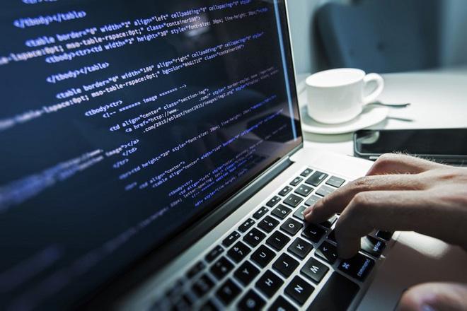 So sánh chi phí triển khai giữa các phần mềm quản trị doanh nghiệp ERP